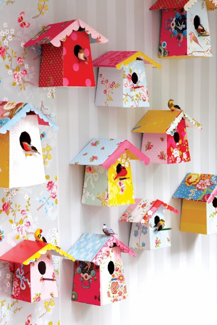 20-Extraordinary-Smart-DIY-Paper-Wall-Decor-That-Will-Color-Your-Life-2