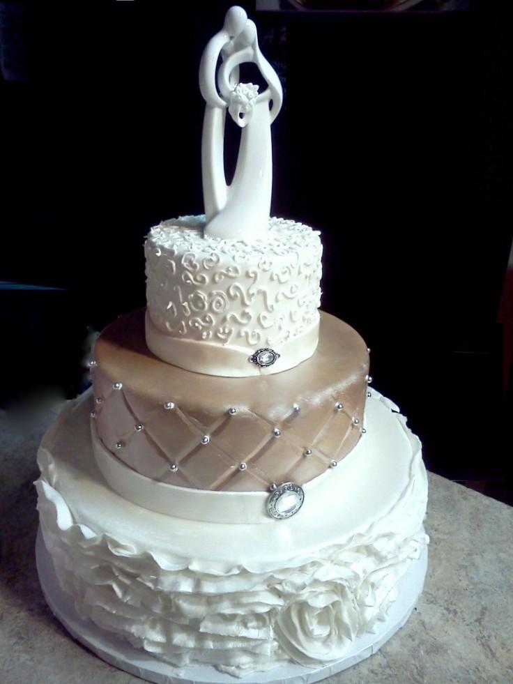 beautiful-wedding-cake-768x1024