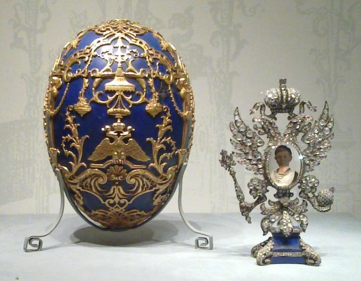 Tsarevich_(Fabergé_egg)_and_surprise