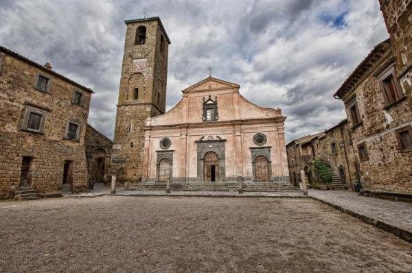 Civita-di-Bagnoregio8x