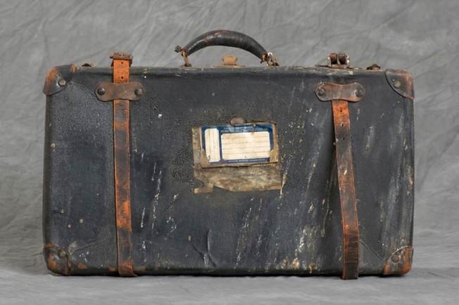 Jon-Crispin-Willard-Suitcases-13-652x434