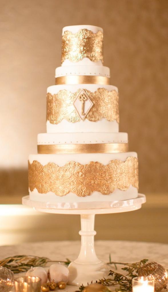 metallic-wedding-cake-588x1024