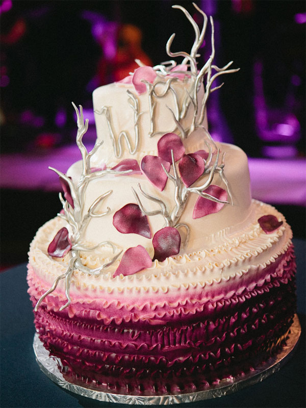 petals-ombre-wedding-cake