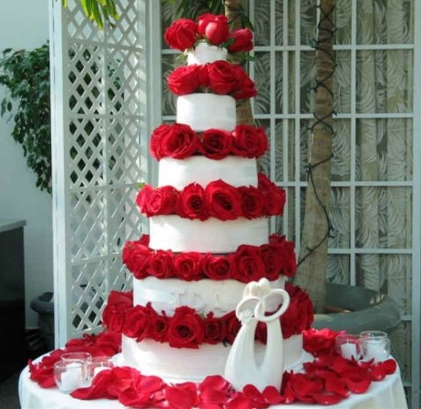 rose-wedding-cake