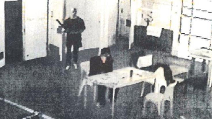 death-pictures-jail-killing