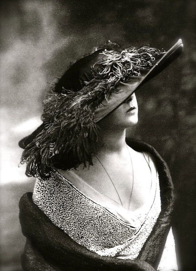 edwardian-giant-hats-1900s-10s-8