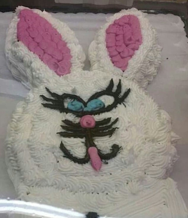 3F3DF97600000578-0-Who_s_afraid_of_the_Easter_bunny_He_s_meant_to_be_a_joyful_figur-a-54_1492168780706-1