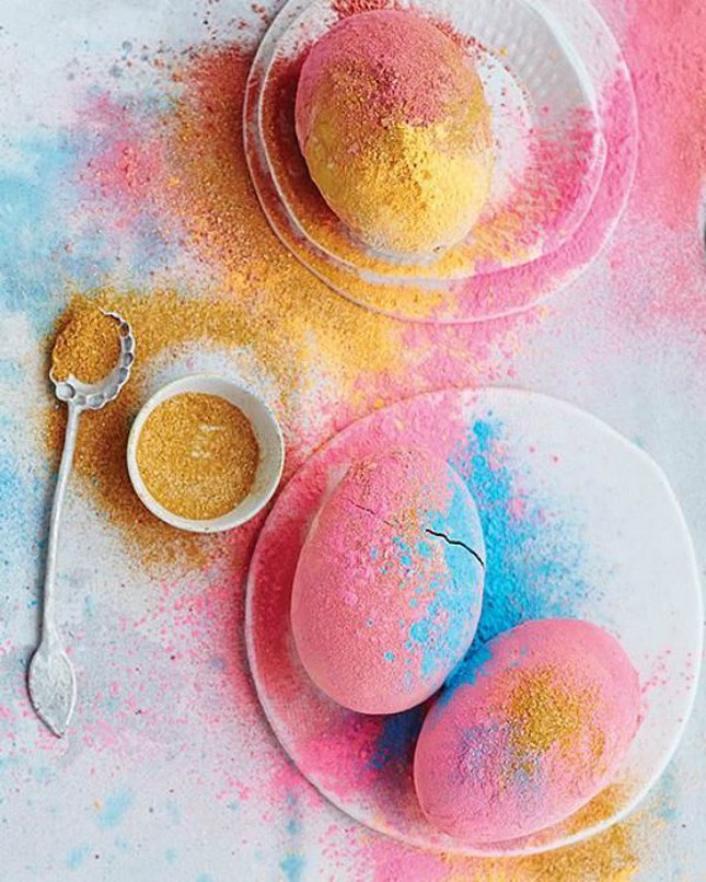 Colored-Powder-Easter-Eggs