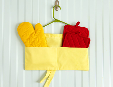 repurposed-hangers-apron-pocket-ss