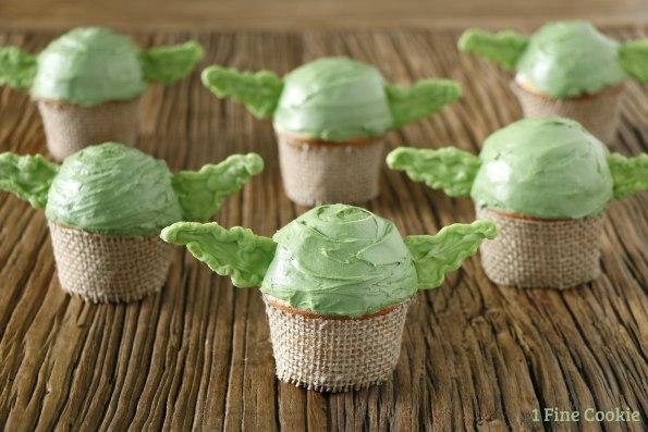 Adorable-Yoda-Cupcakes